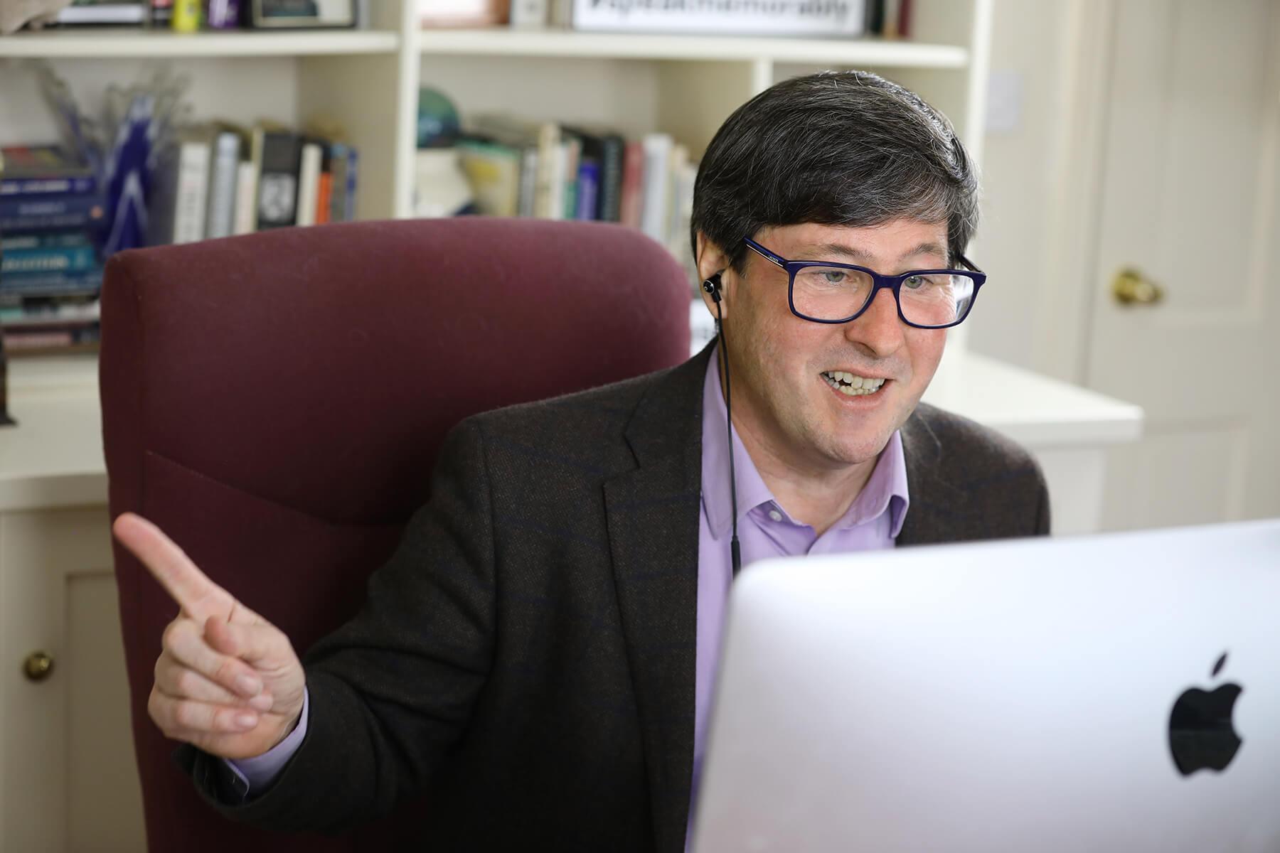 Eamonn O'Brien - Master the art of public speaking